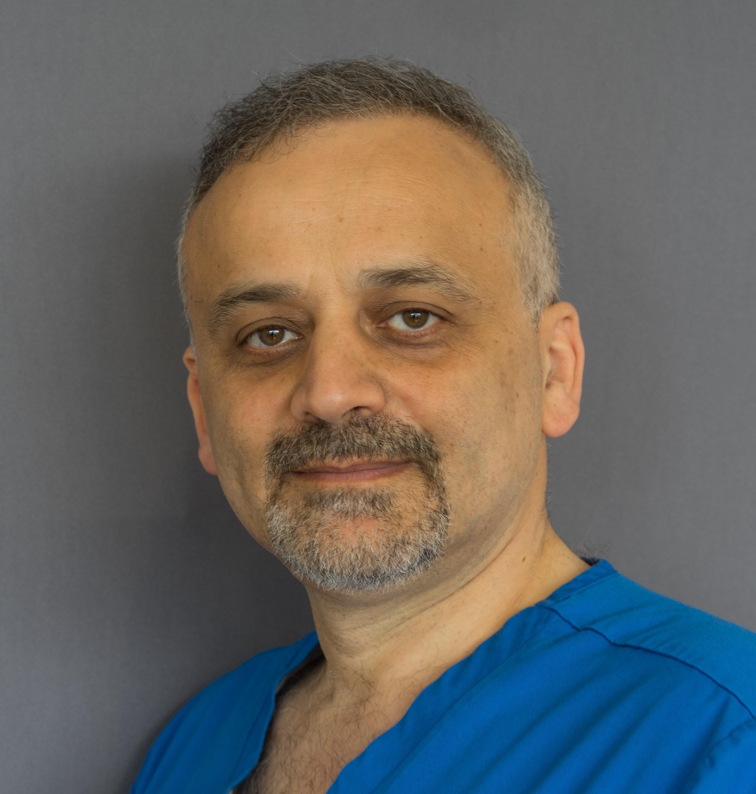 Yaser Al Daker dentist